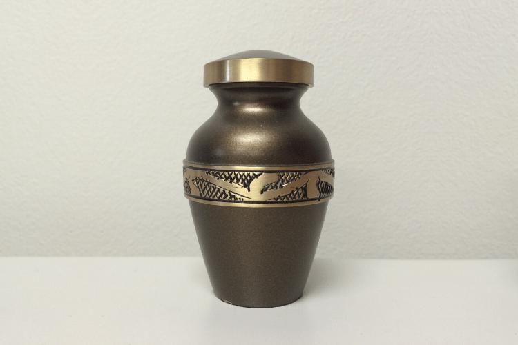 engraved-brass-cremation-urn